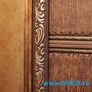 Декоративное оформление двери.