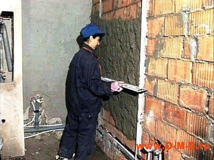 Как выровнять стены при помощи штукатурки.