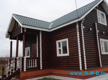 Крыши деревянных домов.