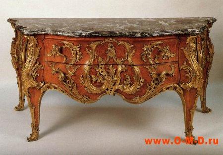 Старинная мебель.
