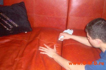 Чистка мягкой мебели дома