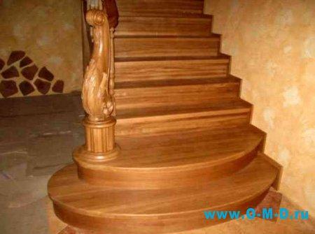 Классический интерьер: лестница